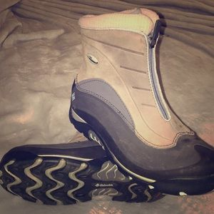 Columbia flexshell waterproof thinsulate boots 8.5
